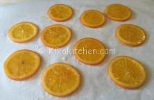 Come caramellare le fette di arancia per guarnire e decorare