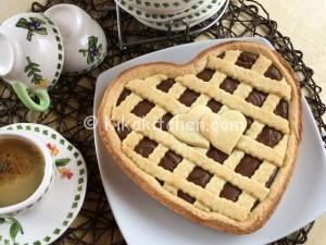 Crostata a forma di cuore con nutella. Ricetta passo passo