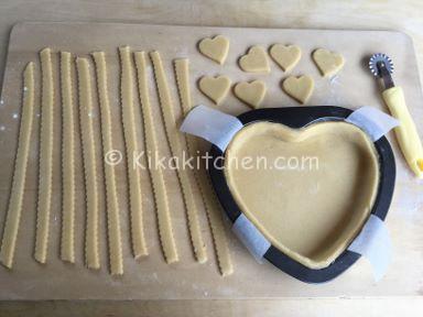 crostata a forma di cuore