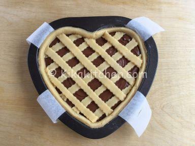 ricetta crostata a forma di cuore con nutella