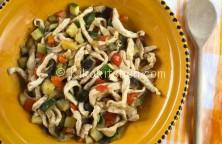 straccetti di pollo con verdure fresche