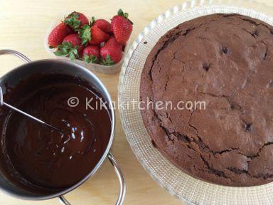 torta cioccolato e fragole fresche