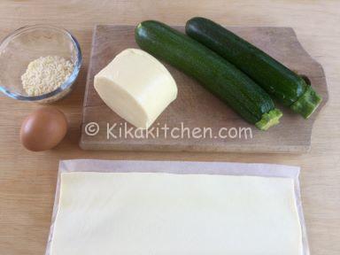 ingredienti rose di pasta sfoglia con zucchine