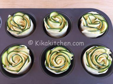 ricetta rose di pasta sfoglia con zucchine