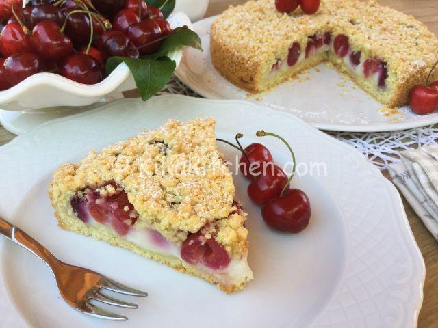 sbriciolata alle ciliegie e crema