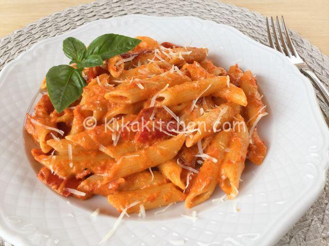 Pasta con i peperoni ricetta facile e veloce kikakitchen for Ricette pasta veloci