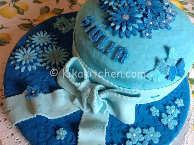 Pasta di zucchero per decorare torte e cupcake