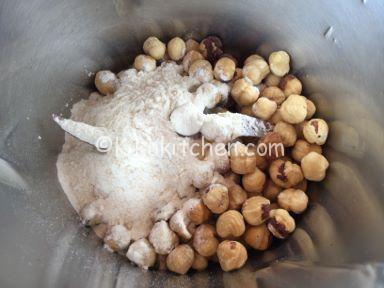 nocciole e farina
