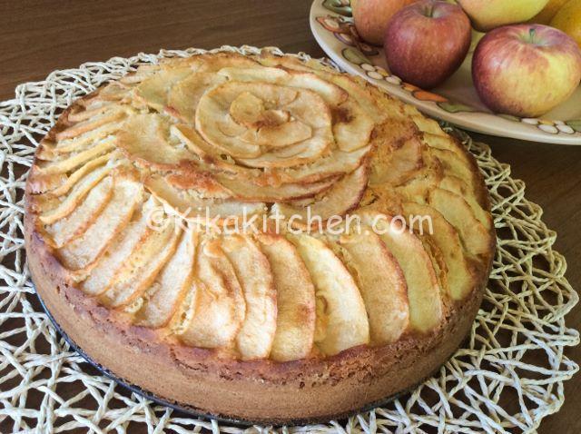 torta di mela con pezzetti di mela