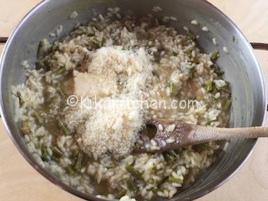 mantecare risotto asparagi