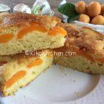 Torta di albicocche fresche, rovesciata. Ricetta facile