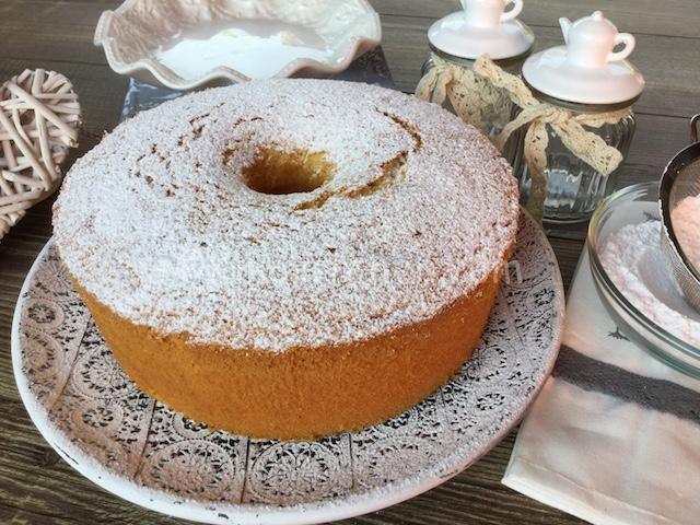 torta chiffon alla vaniglia