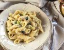 Pasta con cavolfiore e olive nere. Ricetta facile