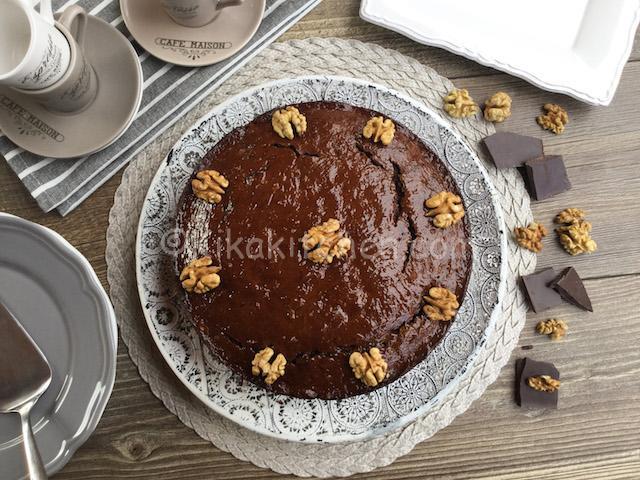 torta con noci e cioccolato