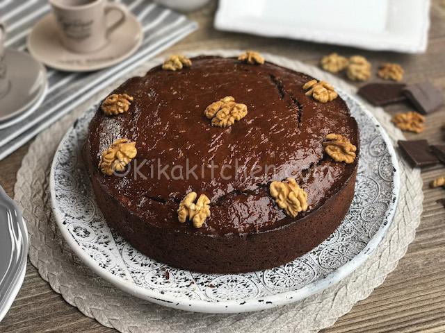 torta di noci con cioccolato