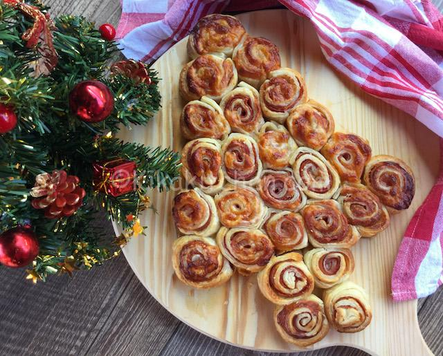 Antipasti Di Natale.Albero Di Natale Con Pasta Sfoglia Antipasti Natalizi Kikakitchen