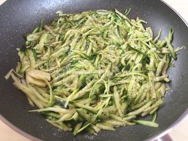 cuocere zucchine grattugiate