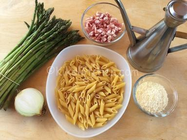 ingredienti pasta asparagi e pancetta