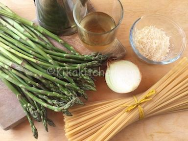 ingredienti pasta con asparagi