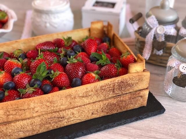 torta cassetta di fragole