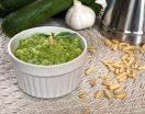 Pesto di zucchine crude per primi e bruschette