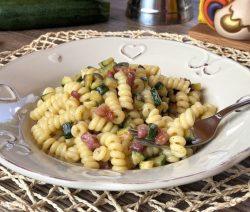 pasta con zucchine e pancetta