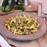 pasta con zucchine e tonno