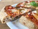 Pizza con farina integrale e farina di farro